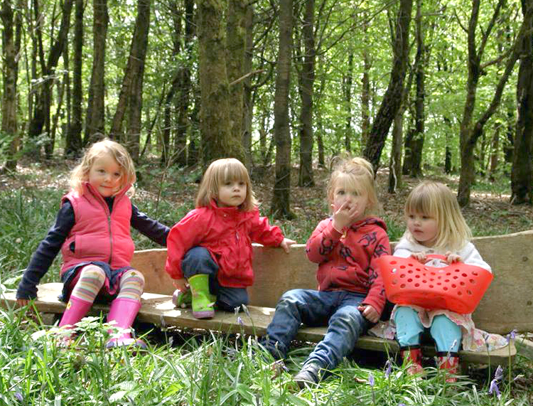 forest kindergarten girls
