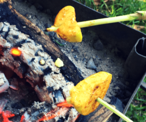 toffee apple slices - campfire cooking